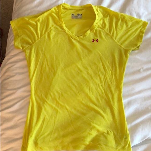 Molesto Eléctrico Inesperado  Under Armour Tops   Yellow Tshirt For Sale   Poshmark